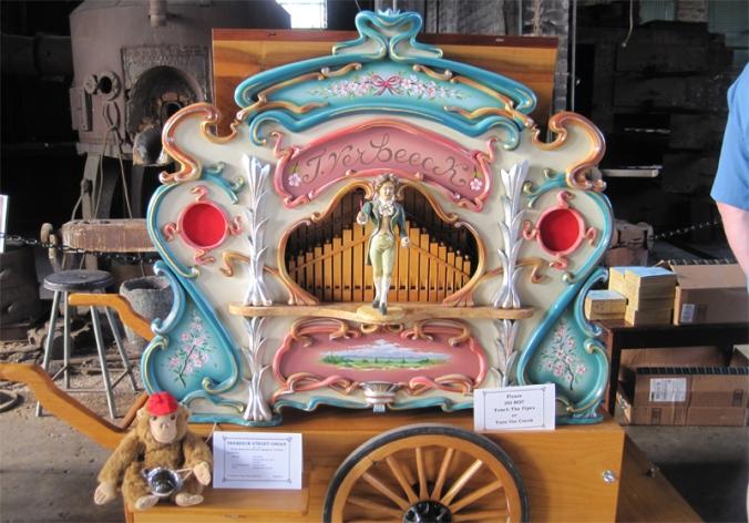 carousel-organ